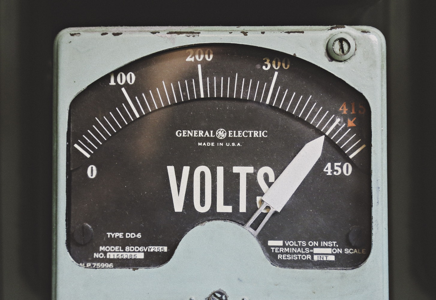 voltage meter by Thomas Kelley